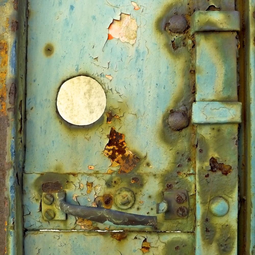 Turquoise Steel Door, Montevarchi, Italia