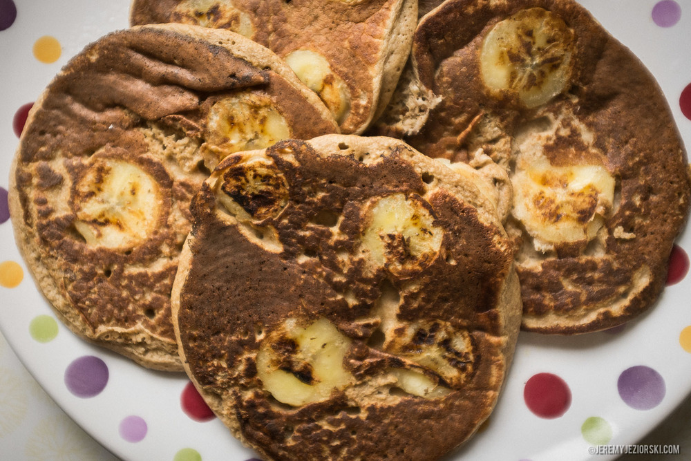Healthy-Banana-Pancakes-Recipe-Emily-Jeremy-Jeziorski-10.jpg