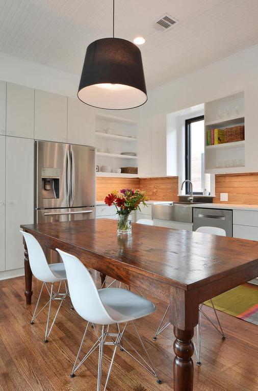 1009 Blanco-MLS_Size-008-Kitchen and Breakfast 04-1024x768-72dpi.jpg