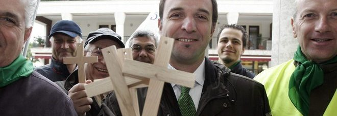 "Massimo Bitonci, who had joined in protests when courts ruled against the display of the crucifix, said that the city will distribute ""a nice mandatory crucifix"" to every city school and office."
