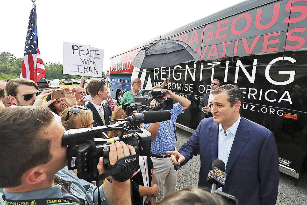GOP presidential hopeful Ted Cruz (right) appears in Chattanooga on Monday. (Photo from Times Free Press)