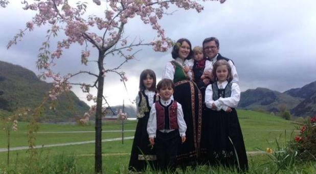 Marius and Ruth Bodnariu and their children