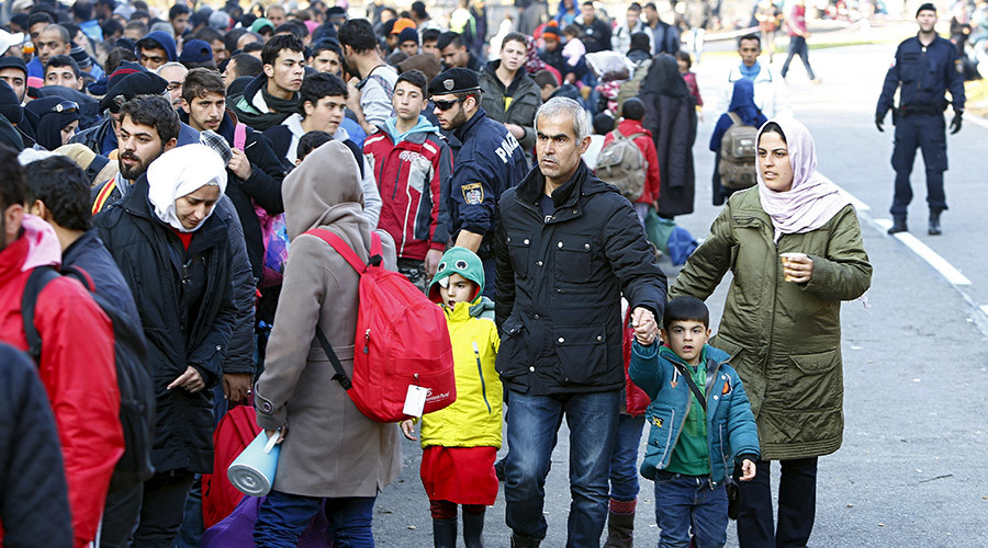 Syrian refugees at the Austrian-German border