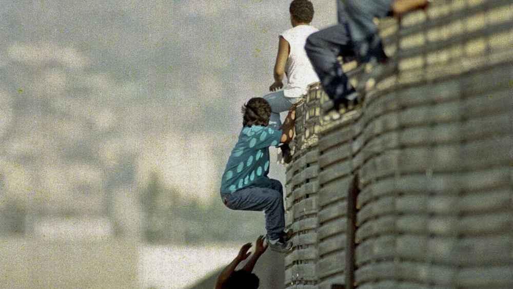 immig wall.jpg