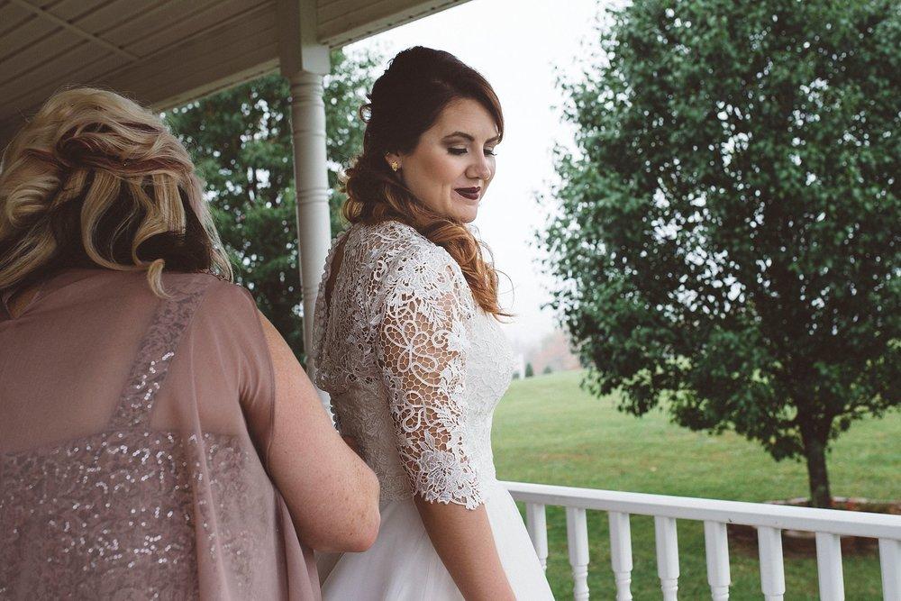 Bride dress Pittsburgh wedding photographer