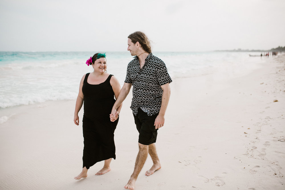 What To Wear For Engagement Pictures?