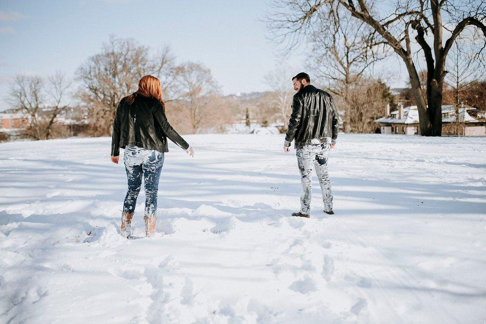winter-engagement-session_0017.jpg