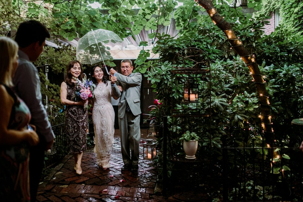 0287-MarkJess_Chinese-Pittsburgh-wedding-Morning-Glory-Inn.jpg