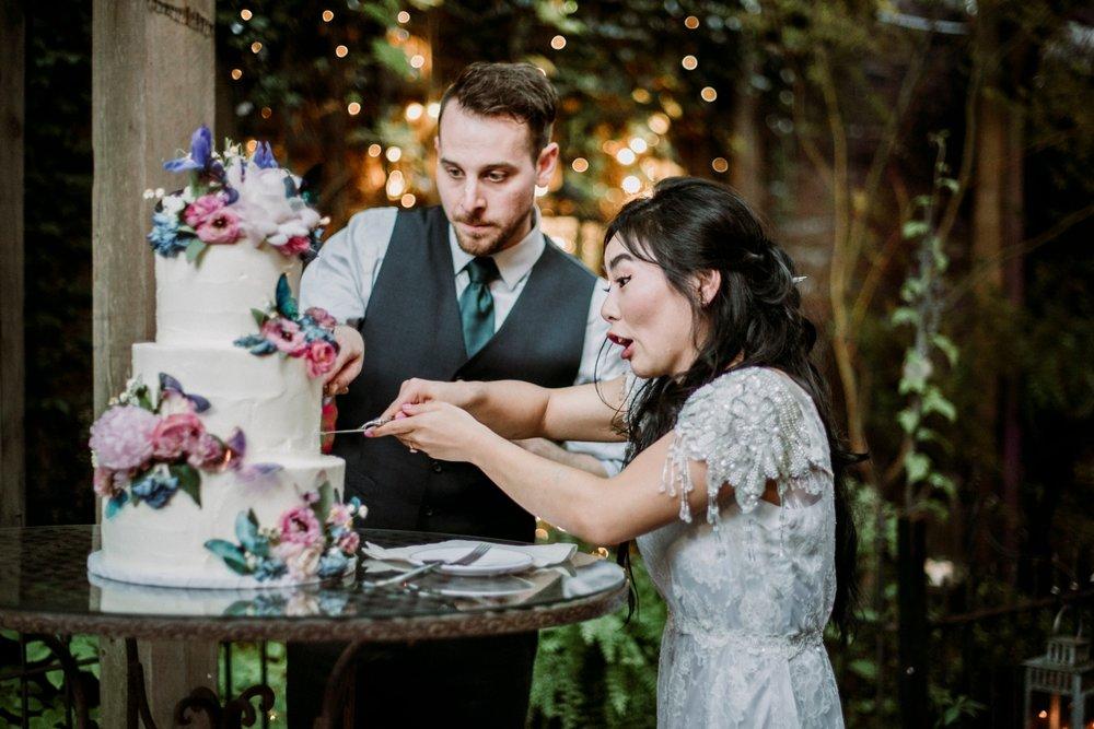 fun photographer wedding
