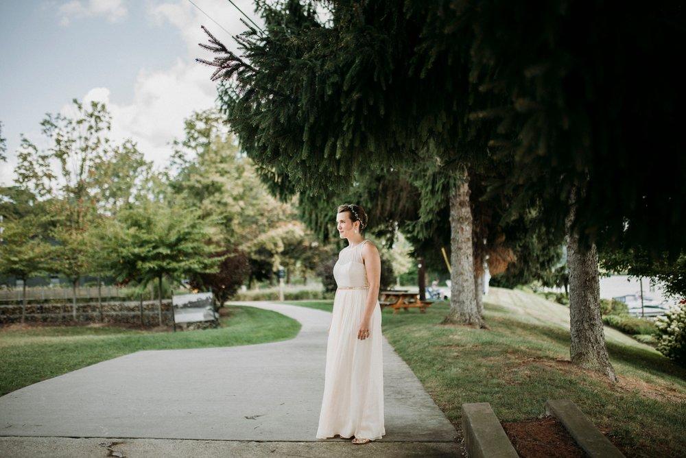 Adriana+Sam-0028_Pittsburgh-Aspinwall-Riverfront-Park-wedding.jpg