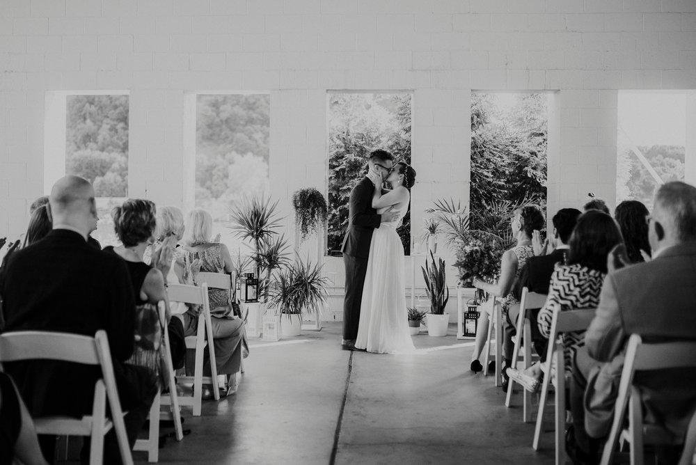 Adriana+Sam-0191_Pittsburgh-Aspinwall-Riverfront-Park-wedding.jpg