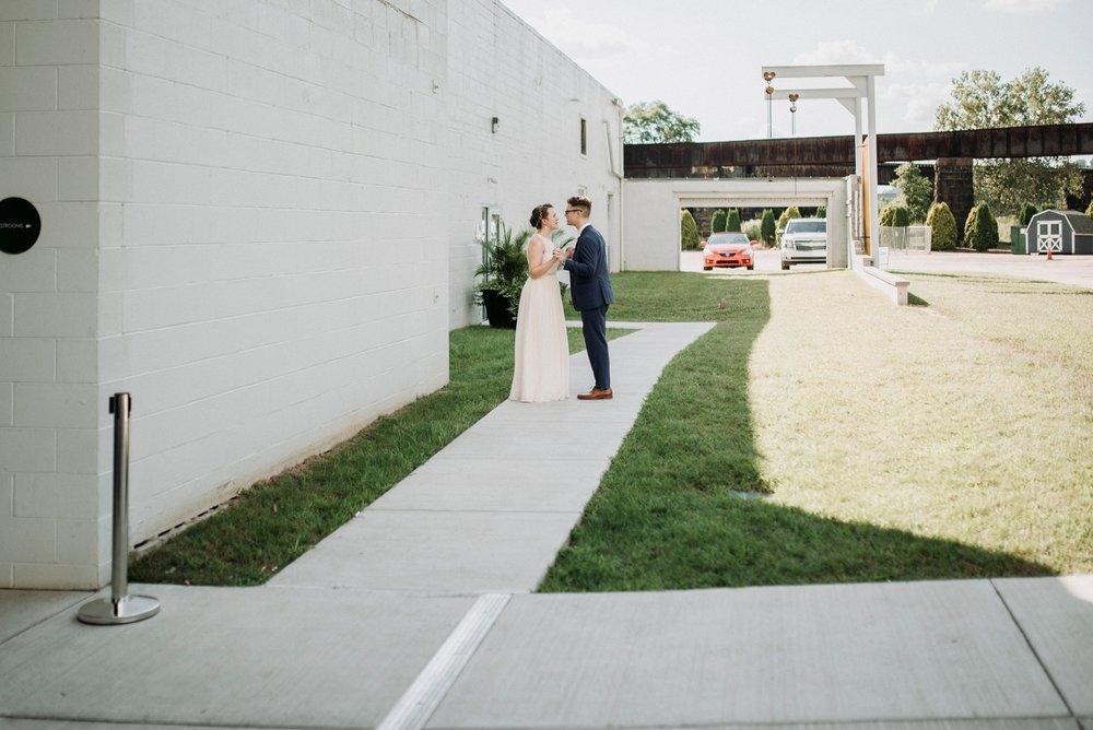 Adriana+Sam-0224_Pittsburgh-Aspinwall-Riverfront-Park-wedding.jpg