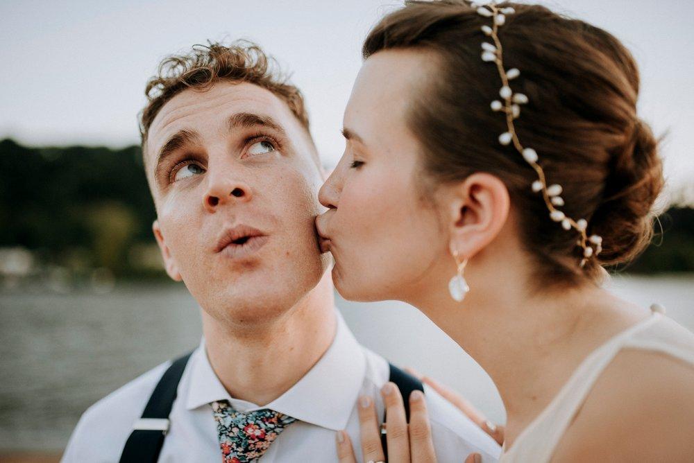 Adriana+Sam-0467_Pittsburgh-Aspinwall-Riverfront-Park-wedding.jpg