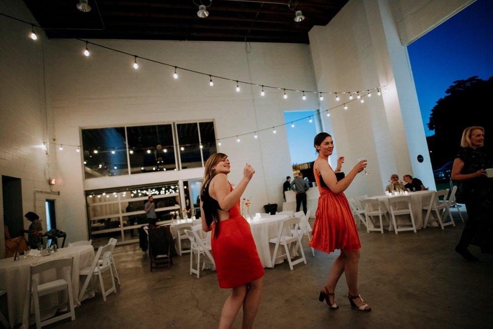 Adriana+Sam-0540_Pittsburgh-Aspinwall-Riverfront-Park-wedding.jpg