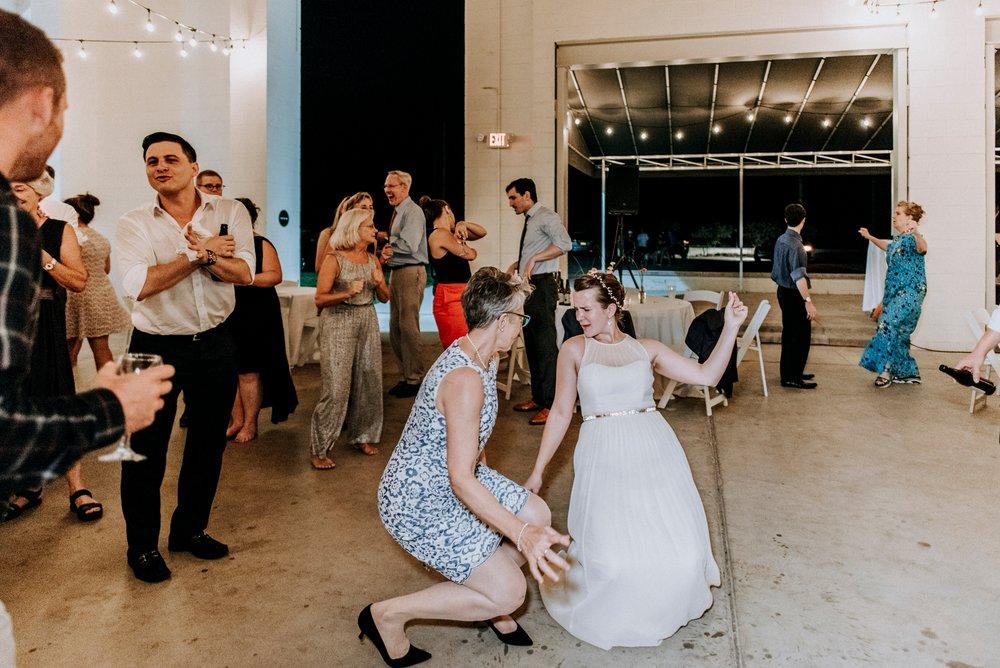 Adriana+Sam-0735_Pittsburgh-Aspinwall-Riverfront-Park-wedding.jpg