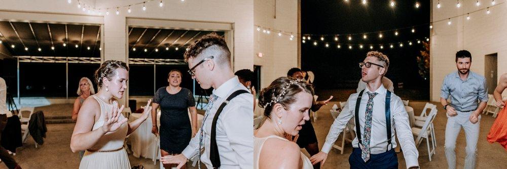Adriana+Sam-0800_Pittsburgh-Aspinwall-Riverfront-Park-wedding.jpg