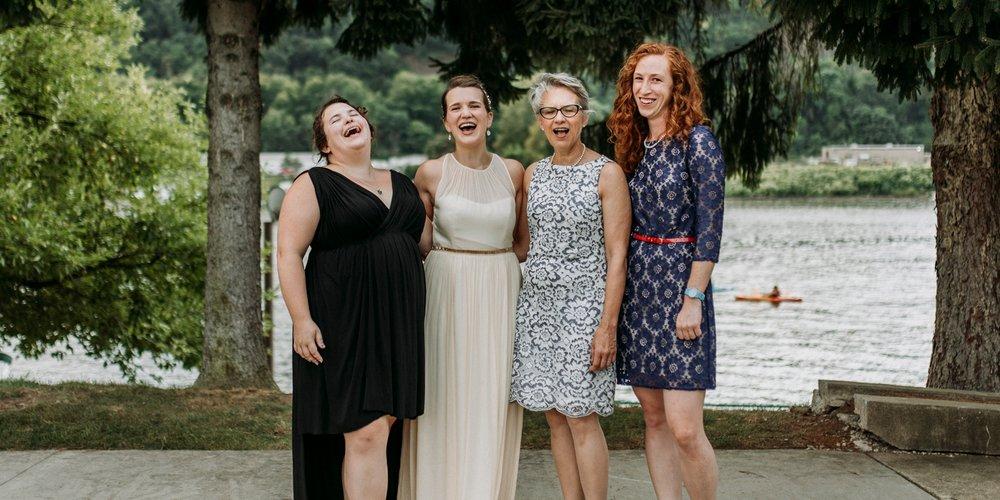 fun family wedding pictures