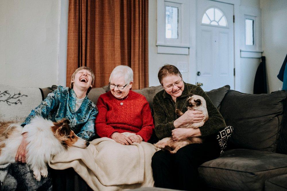 102-Vicky+Sheri-_Pittsburgh-family-photographer.jpg