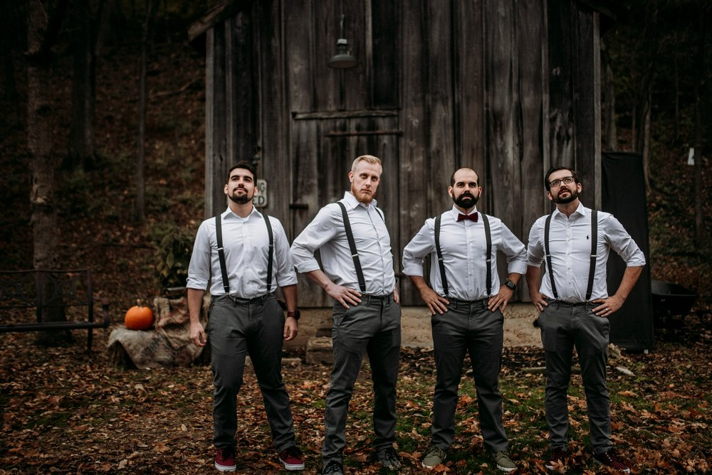 bridal party rustic pictures