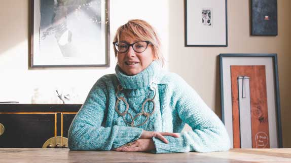 dunedin single parents Jane sweeney doesn't carry a single piece of blue jays merchandise in her boutique clothing store on dunedin's main street, but when march comes around, she still.