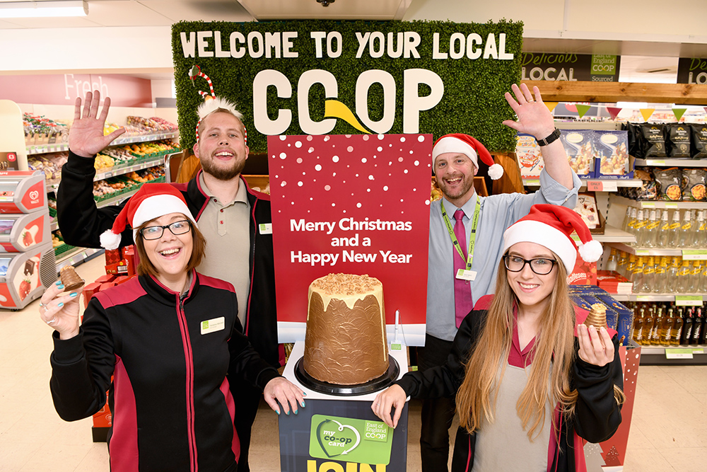 Hadleigh Store Manager Garry Spink with East of England Co-op colleagues - low res.jpg