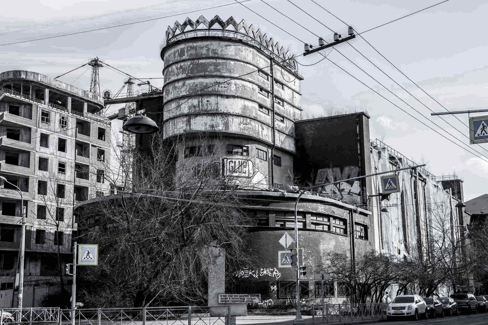 Industrial_Saint-Petersburg_Marie_de_LA_Ville_Bauge1petite.jpg