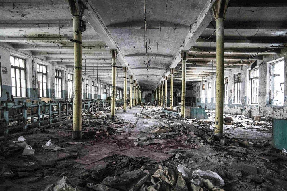 Industrial_Saint-Petersburg_Marie_de_LA_Ville_Bauge28petite.jpg