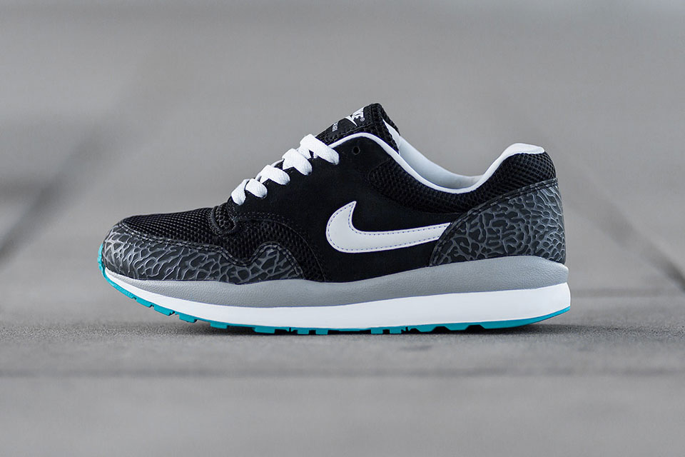 sale retailer 9d785 8753e Nike Air Safari