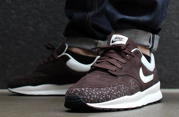 "Nike Air Safari ""Monotone Suede""- Baroque Brown"