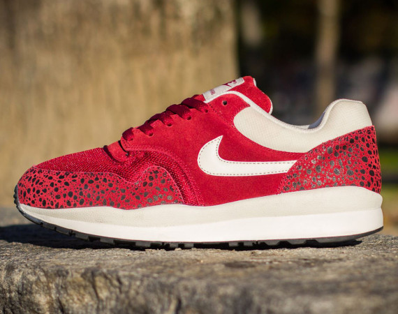 Nike Air Safari- Team Red