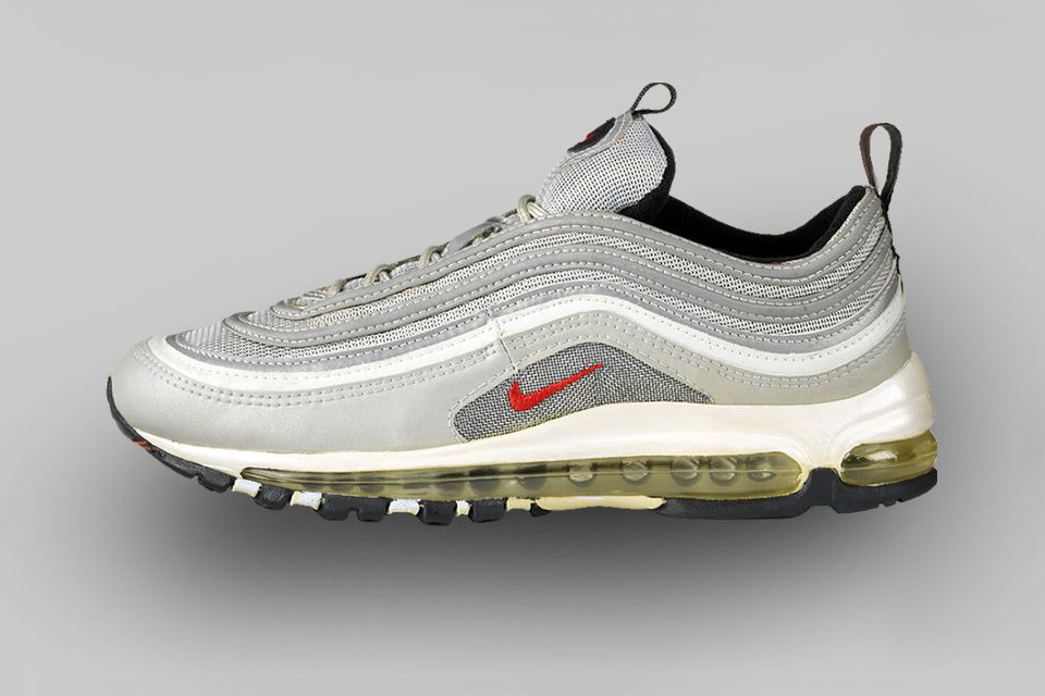 AIR MAX 97 (1997) Much like the bullet train that inspired its design,the AM 97 was built for speed, showcasing the first full-length visible Air mid sole.