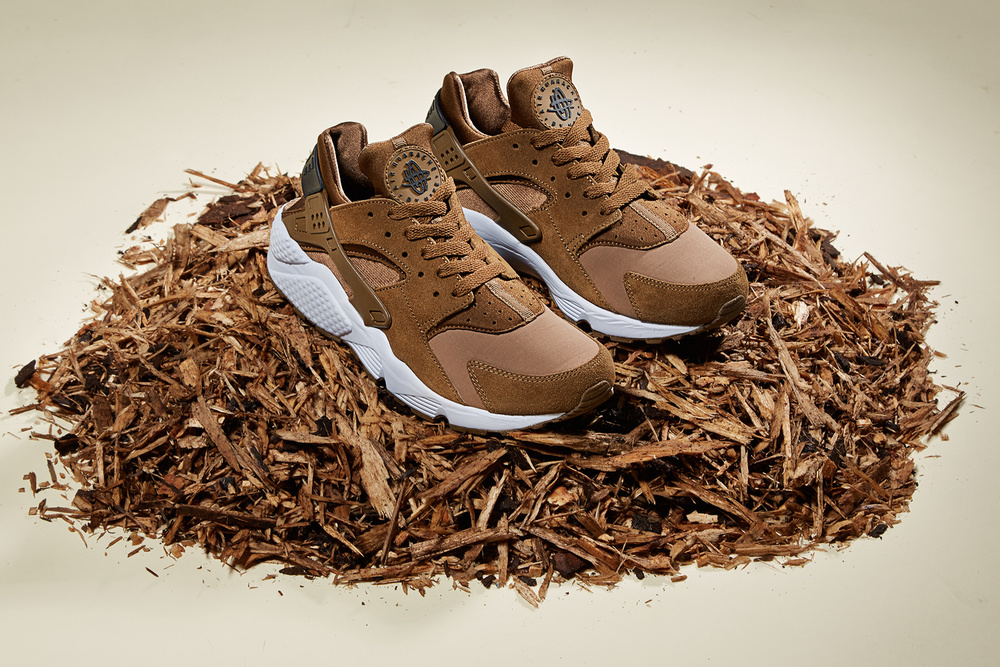 info for 197ff 3bc57 As winter is upon us, Nike has released two colorways of the Nike Huarache.  Both colors are now available and suits perfect for the wintertime ahead.