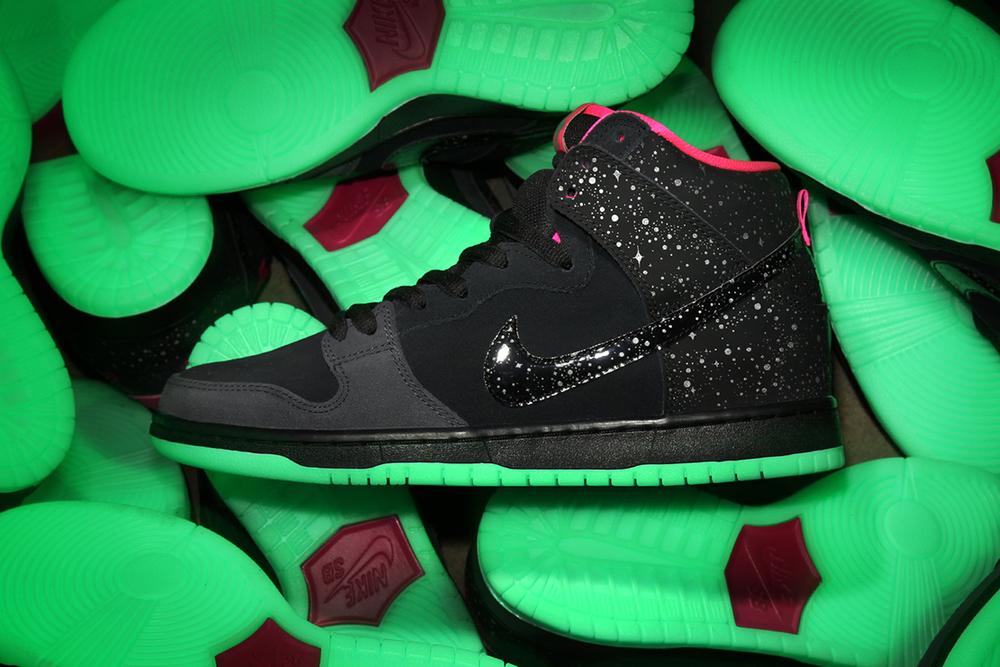 "Perimer x Nike SB Dunk ""Northern Lights"""