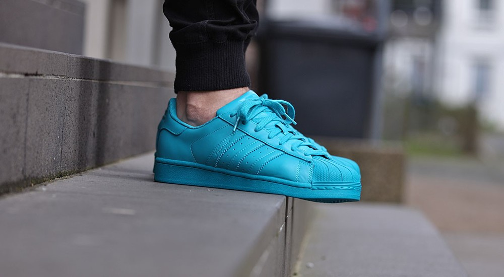 adidas superstar blue on feet