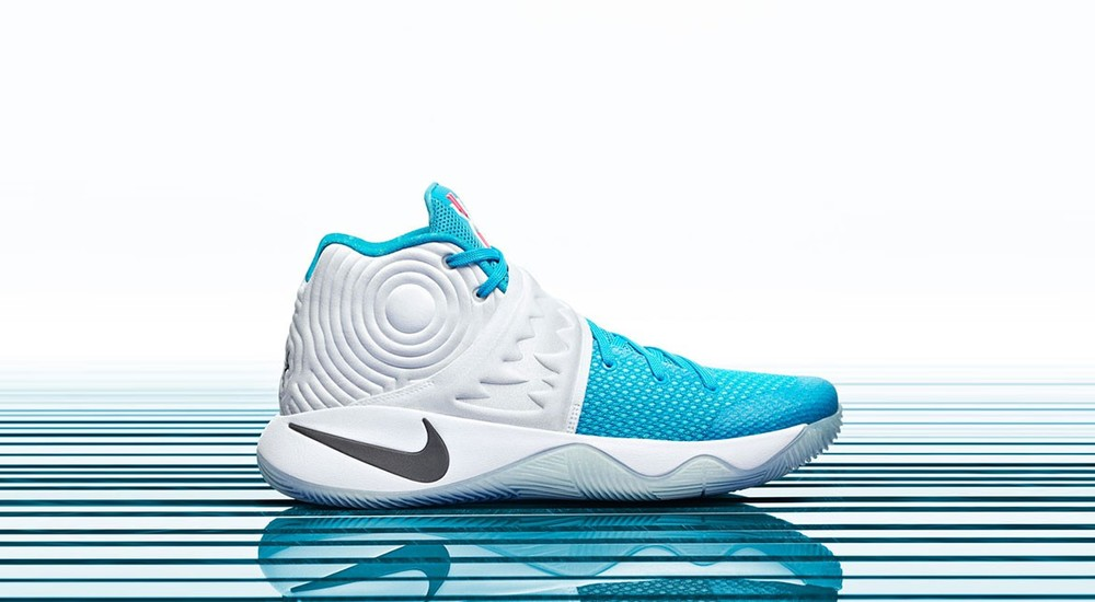 best service 680c9 d7454 Nike celebrates the holidays with its new basketball Christmas collection.  The collection features four of its signature models. The Kobe 10 Elite, ...