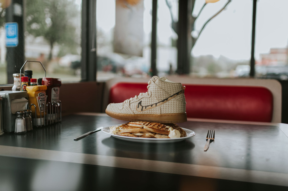 sale retailer 55804 5cb93 ... Brown Dunk High is a shout out to all of us, looking for a good bite at the  end of the night. Dropping April 2 at selected retailers such as Rock City  ...