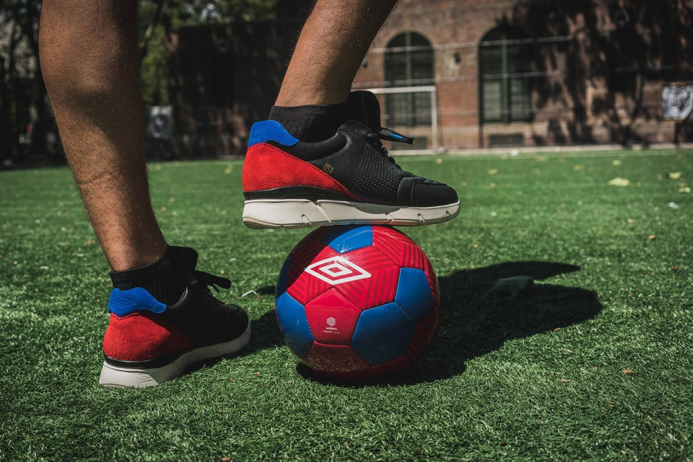 packer-umbro-copa-100-linesman-on-foot-1.jpg
