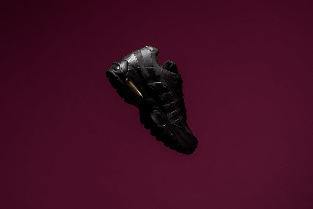71c23a6b2a00 Nike Air Max 95 Premium SE Black Metallic Gold 924478 003 Sneaker POlitics -2.jpg