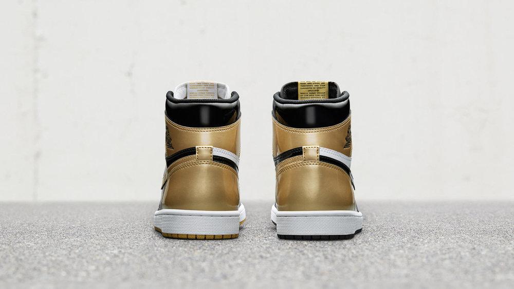 gold-jordan-1-top-3-02_hd_1600.jpg