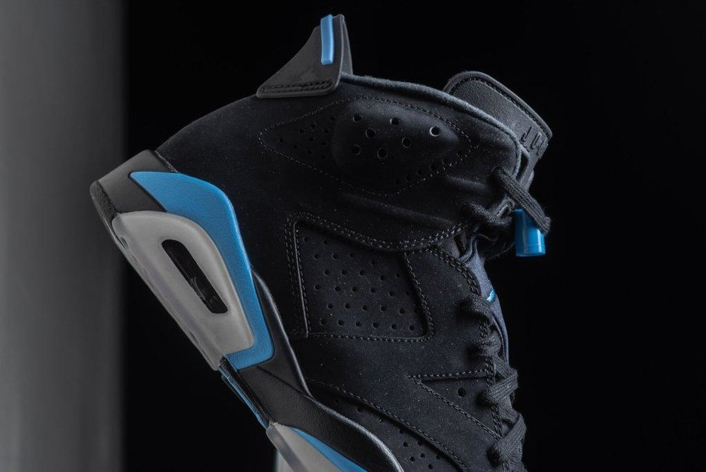 Air_JOrdan_6_Retro_Black_Carolinba_Blue_Sneaker_Politics_2.jpg