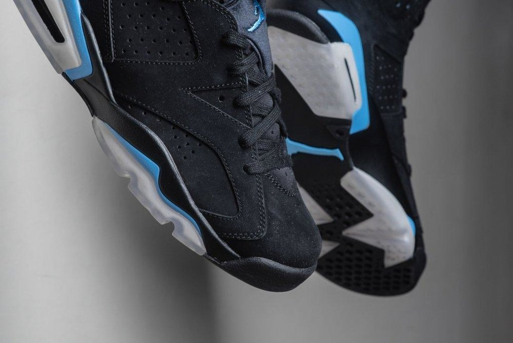 Air_JOrdan_6_Retro_Black_Carolinba_Blue_Sneaker_Politics_4.jpg