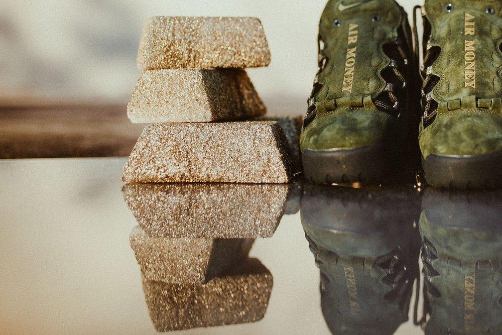 Nike-AirMoreMoneyQS-SequoiaMetallicGoldBlack_1_1024x1024.jpg