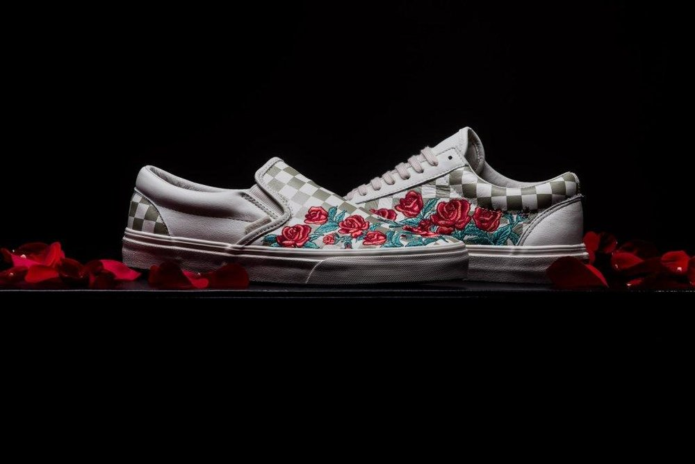 Vans_Classic_Slip-on_Rose_Embroidery_marshmellow_sneaker_politics_6-2.jpg