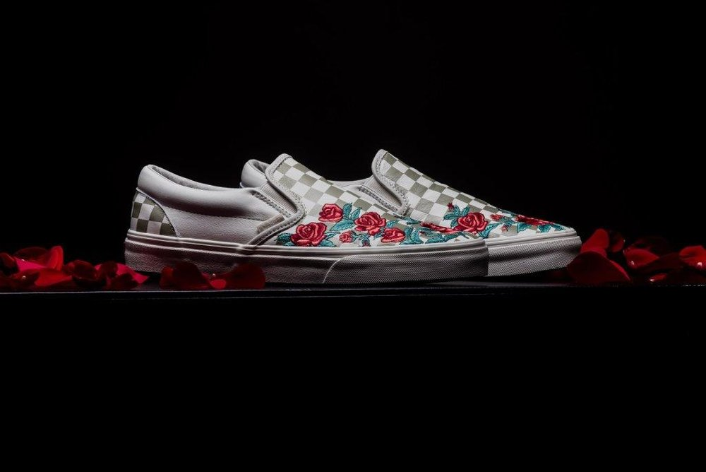 Vans_Classic_Slip-on_Rose_Embroidery_marshmellow_sneaker_politics_2-2.jpg