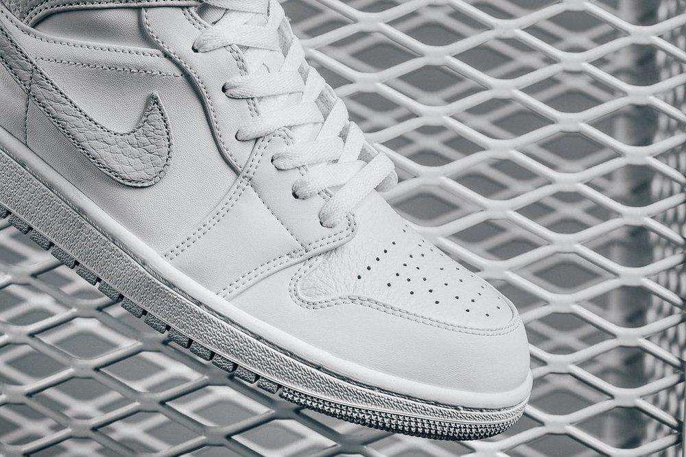 Air Jordan 1 Mid - White-Pure Platinum 554724-108 February 2 2018-3 1024x1024.jpg 3c9213a3b
