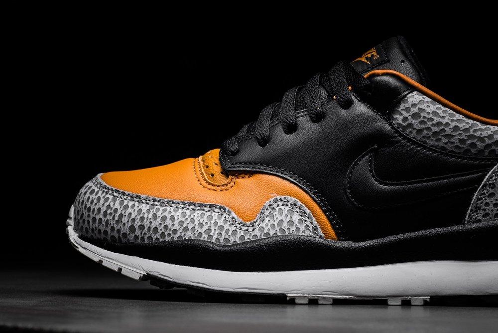 Nike Air Max Safari QS Black Black Monarch AO3295-001 sneaker politics 5.jpg e82e54c54