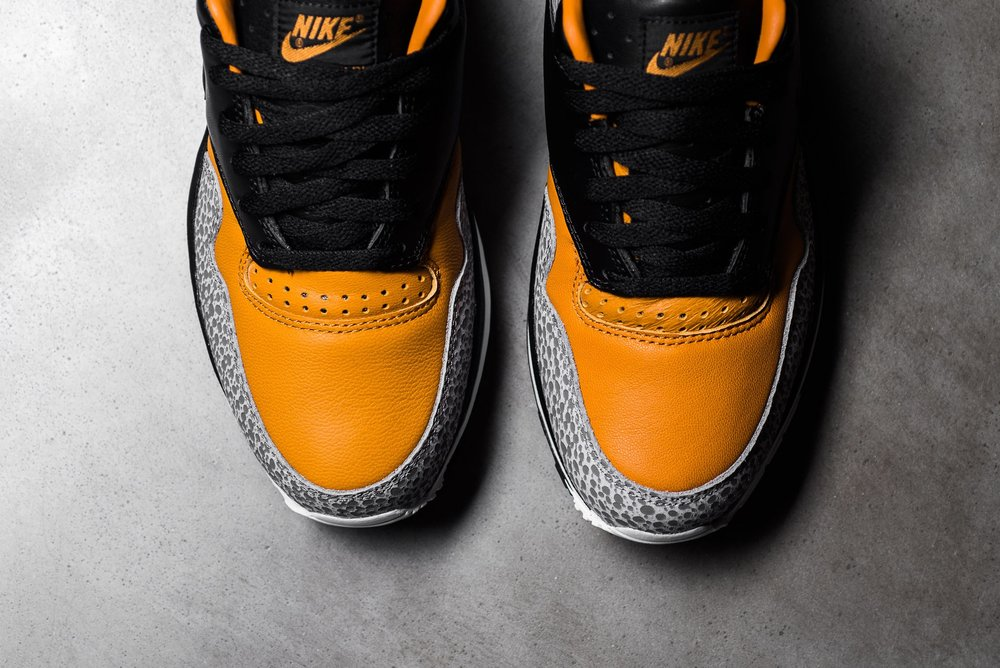Nike_Air_Max_Safari_QS_Black_Black_Monarch_AO3295-001_sneaker_politics_12.jpg