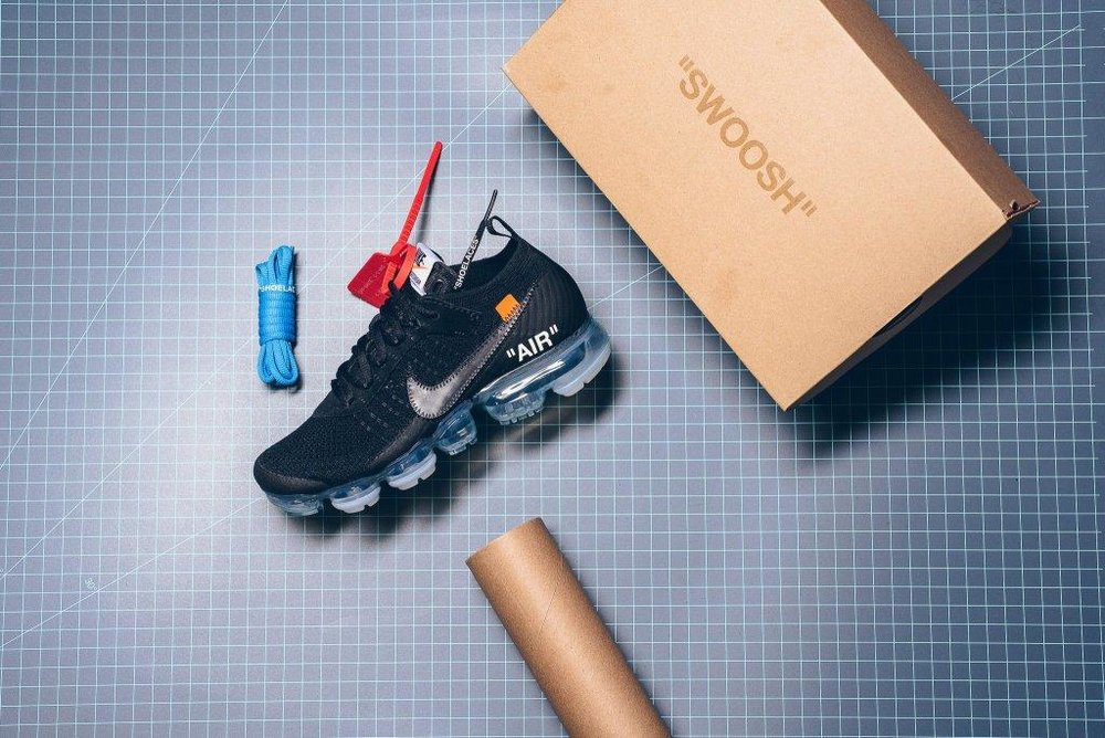 Nike_The_10_-_Nike_Air_Vapormax_Flyknit_Black_Clear_Total_Orange_AA3831-002_sneaker_politics_2-2_2048x2048.jpg