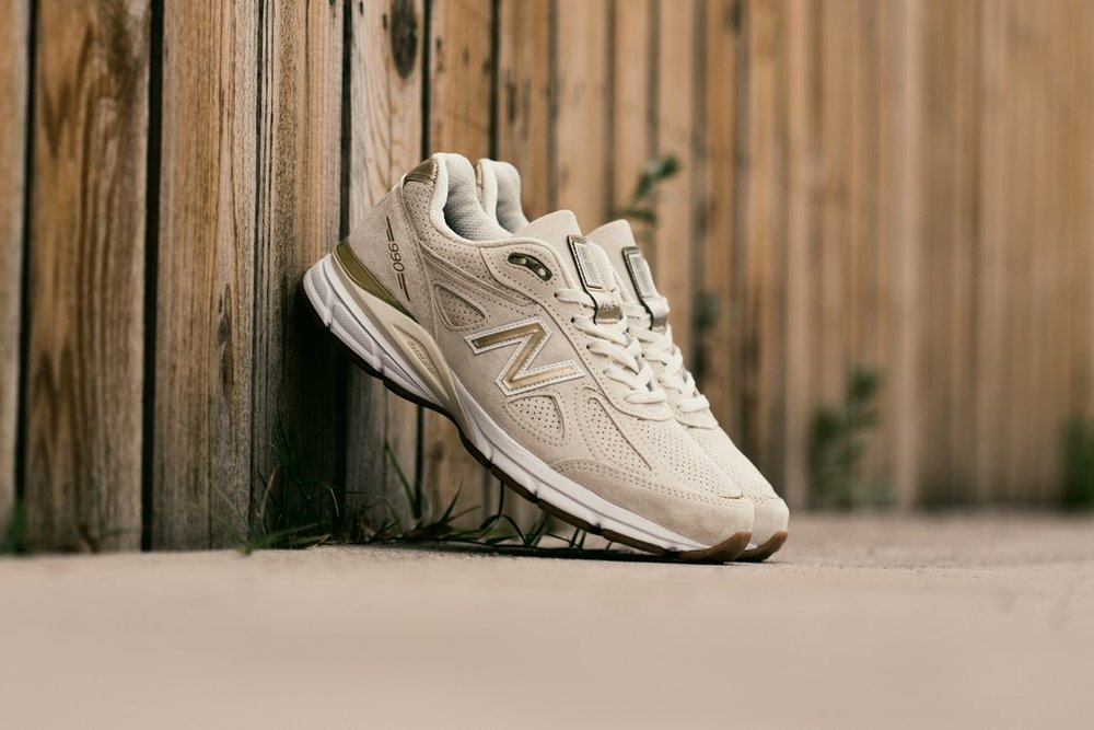 New_Balance_990_-_Angora-M990AG4_-_Feature-LV-6028_1024x1024.jpg