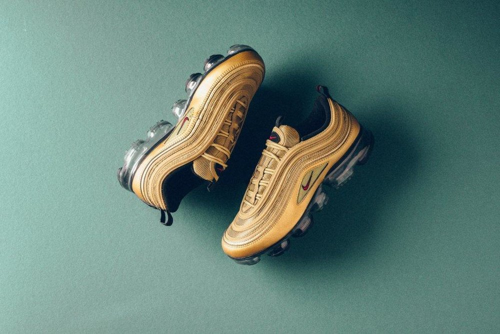 Nike_Air_MAx_97_Vapormax_gold_university_Red_sneaker_politics_10.jpg